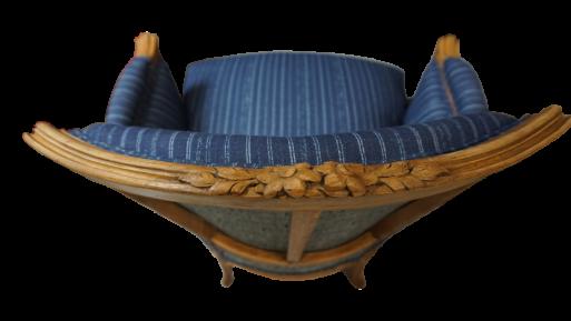 fotelik rzeźbiony